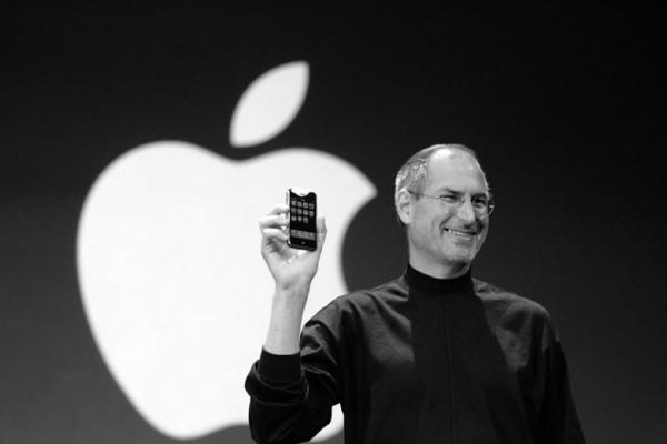 苹果iPhone诞生之初,那些质疑的人是如何看待这款产品的?