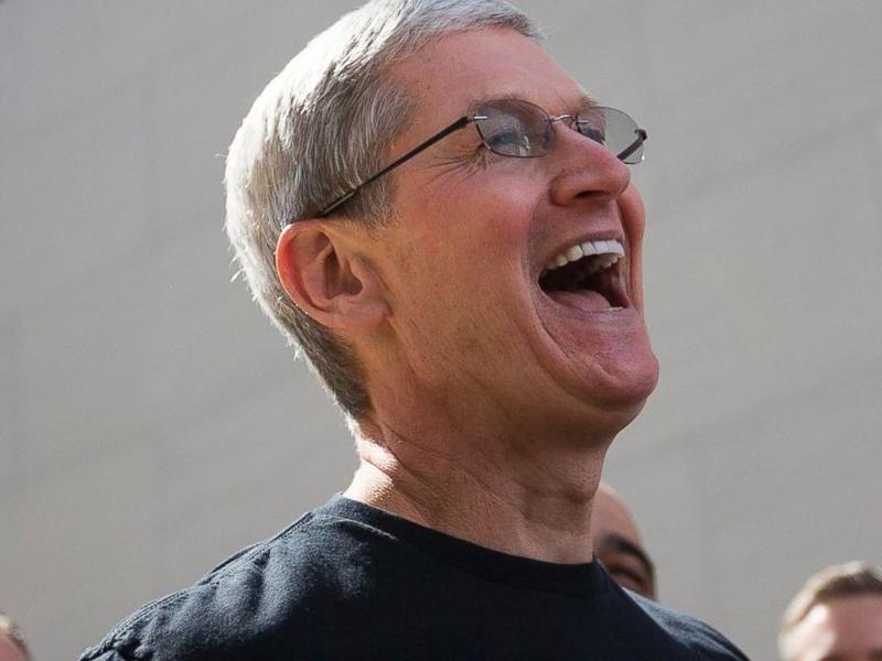 苹果和三星终于不撕逼了,因为他们改玩肉搏了