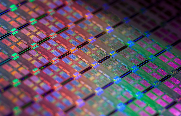 Intel要捍卫摩尔定律,称10nm优于目前的14nm工艺