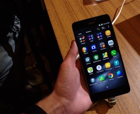 华硕ZenFone AR真机图,全球首款8GB内存流畅到爆!