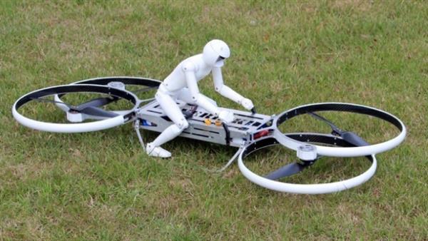 战斗种族发布飞行摩托,骑乘不慎恐截肢!