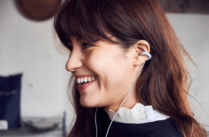 索尼联合WIL推出ambie sound earcuffs耳机,创新性耳夹设计