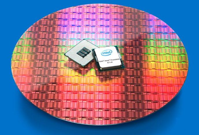 24核8898美元 英特尔最昂贵处理器Xeon E7-8894 V4