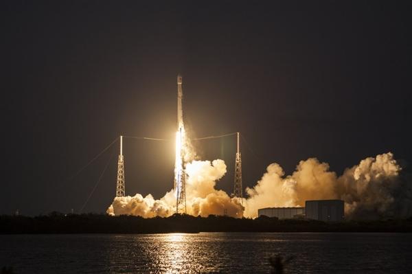 SpaceX爆发:两三周发射一次猎鹰9号火箭