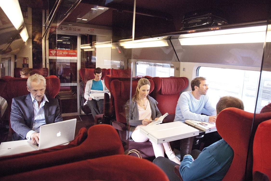 """公交 WiFi 说没就没,但对人们来说似乎 """"无所谓"""""""