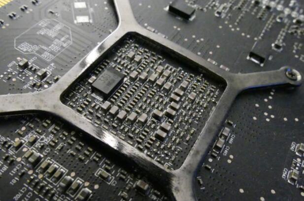 是真相了还是脑洞大开?电脑手机卡死的真相:宇宙射线干扰