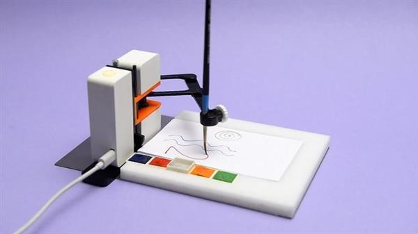 机器人作画?把创作从屏幕挪到纸上