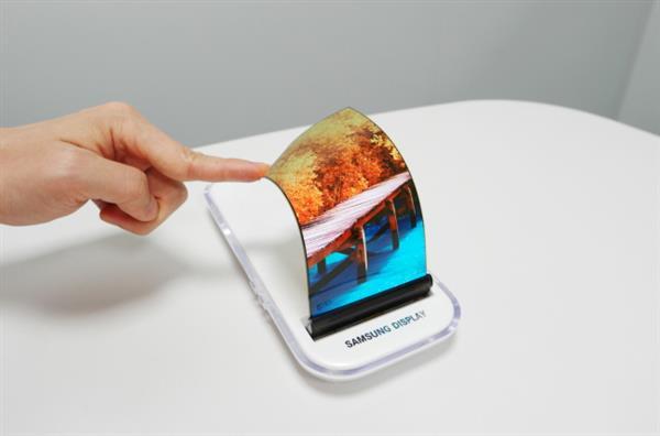 iPhone 8狂吃OLED屏幕:国产手机没屏可用
