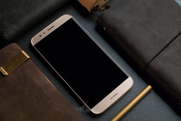 是技术问题还是审美问题?揭秘华为手机的大黑边