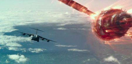 太空中的人造卫星坠落下来的几率有多大?