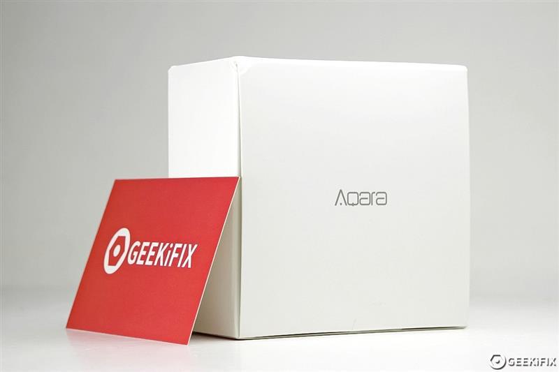 小米旗下Aqara智能墙壁插座拆解,这PCB工艺如何?