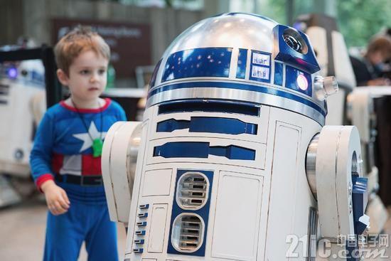 机器人R2-D2完全取代人类工作还需要多久?
