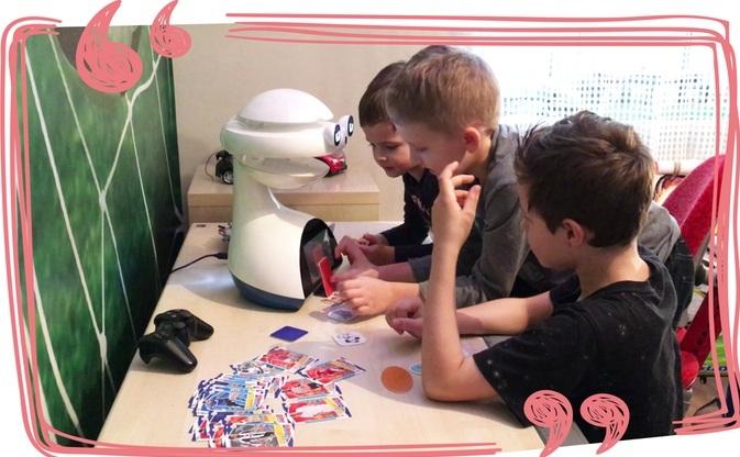让孩子培养机器人的 AI 能力?EMYS 打算用二外来换