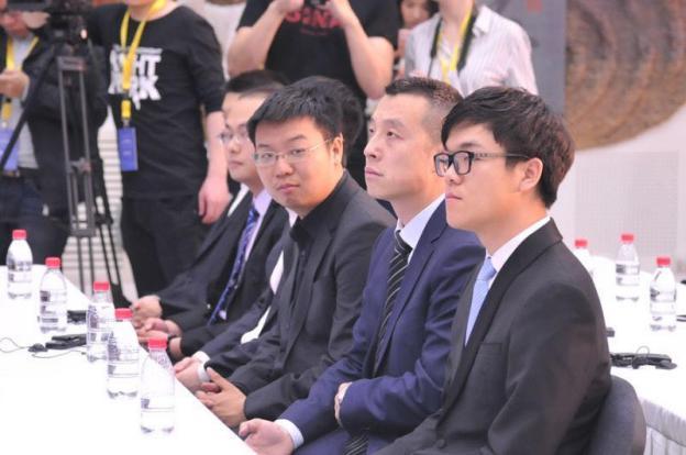 """柯洁""""约战""""AlphaGo:我抱着必胜的信念!"""