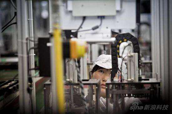 纽约毕业生卧底中国代工厂 揭秘iPhone生产工人生活