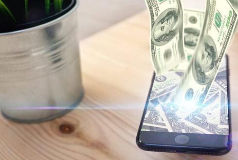 """苹果这件事太恶心:罗永浩两度叫骂""""流氓"""""""