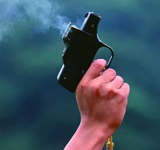 向空中开一枪,会打伤人吗?