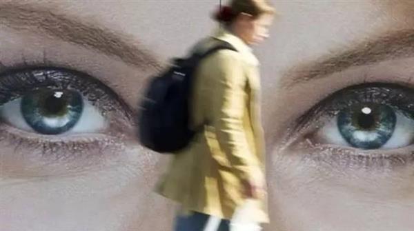 灵异:为什么会感觉背后有人在看你?