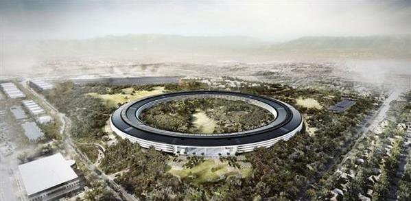 泪目!乔布斯最后的遗作:宇宙飞船般的苹果总部