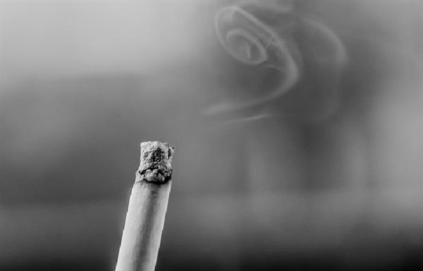 美国送新科技:吸完不上瘾的香烟来了
