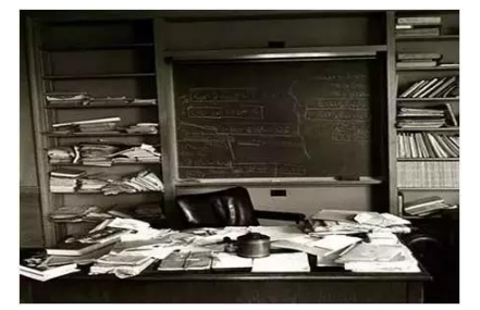 """看看这些大神的电脑桌面布局,你才知道自己的有多""""平庸"""""""