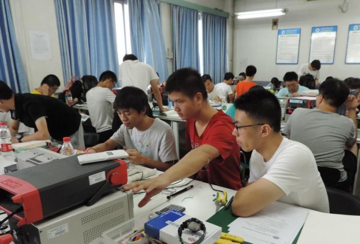 电子工程师从学校到工作岗位超详细的项目经历,看完收获良多