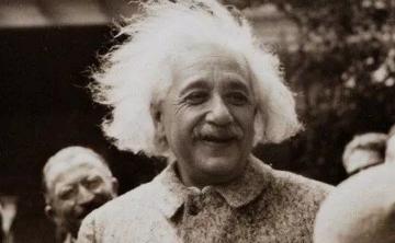 """这个男人""""私藏""""了爱因斯坦大脑43年,究竟是天使还是恶魔?"""