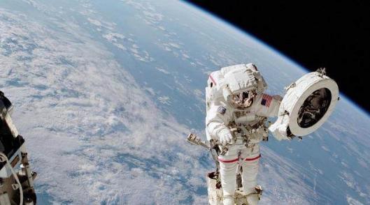 最危险的职业!长期生活在太空中的宇航员身上发生的一些可怕变化