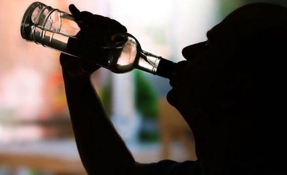 还在喝酒吗?Nature最新研究坐实酒精破坏干细胞DNA,诱发突变