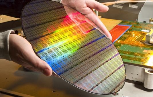 麻省理工研发新神经网络芯片:速度增6倍 功耗少94%