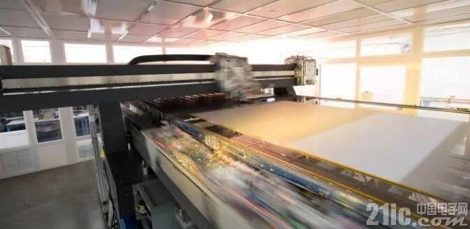 京东方与华星光电面临10.5代OLED面板技术选择关卡